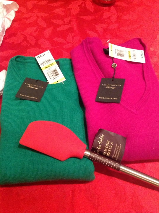 Black friday deals:cashmere sweaters and spatula from Sur la Table