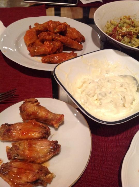 chicken wings,greek pasta salad