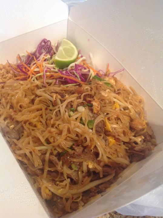 beef phad thai