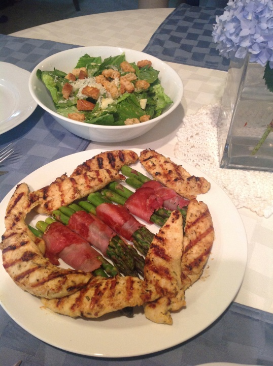 grilled chicken,asparagus,salad