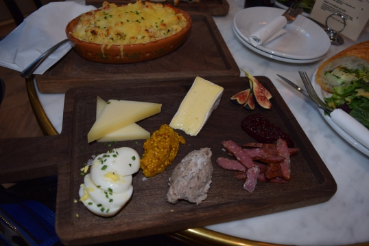 Cheese and 1 meat platter