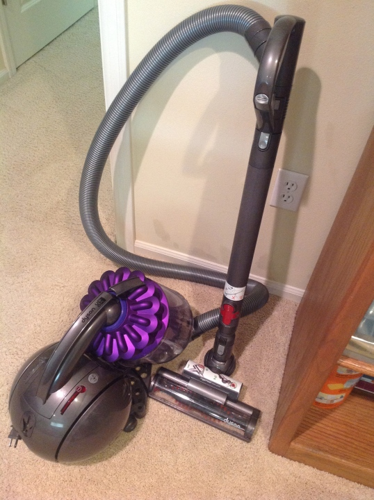 I finally got another vacuum cleaner for our 2nd floor. It's a Dyson DC39  multi floor vacuum.