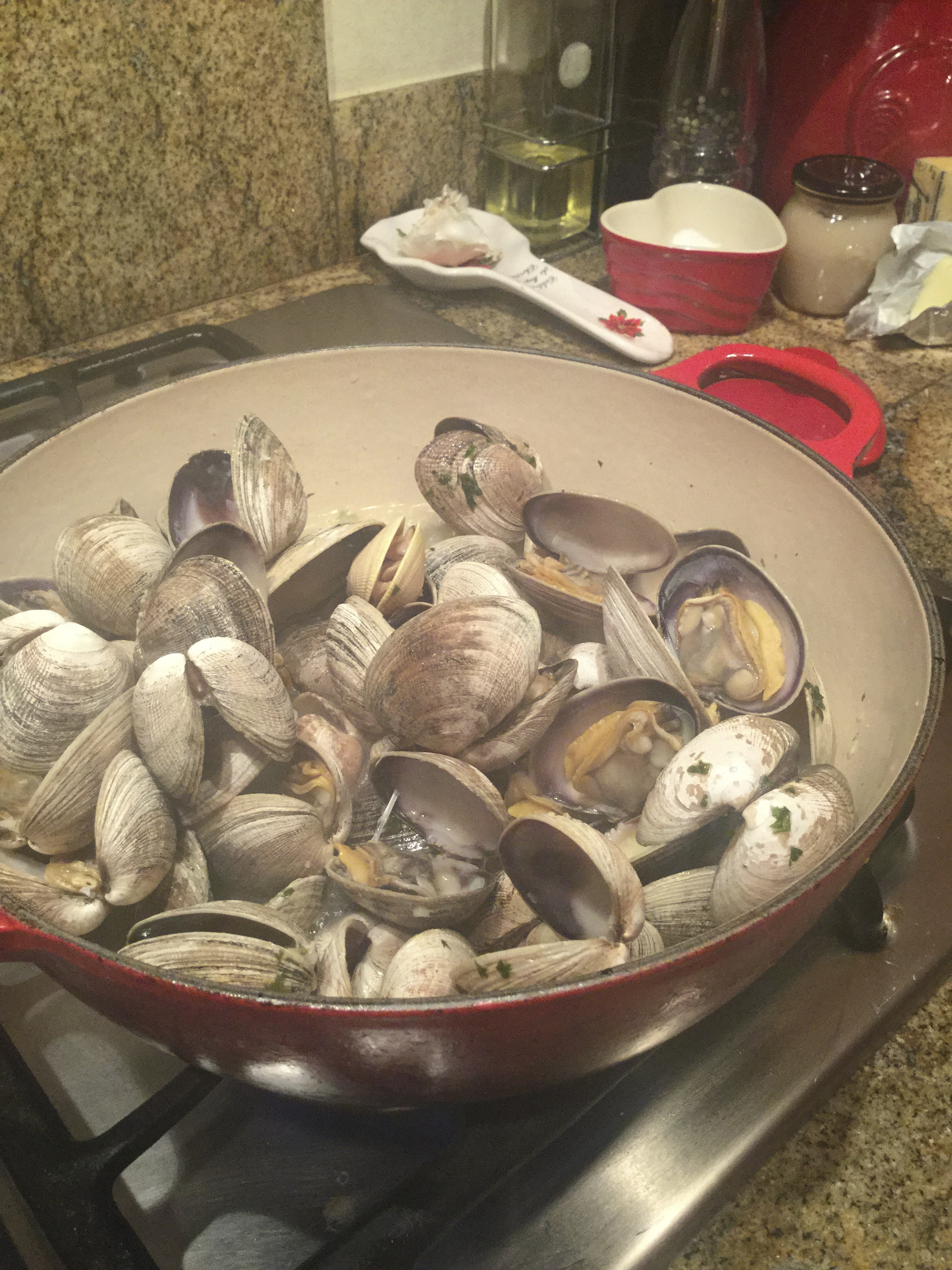 how to clean clams with flour